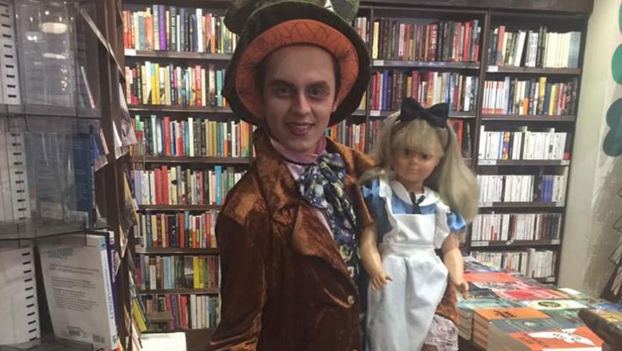 Fiesta de Disfraces de Personajes de Libros en Museo de Correos | Marzo 2017