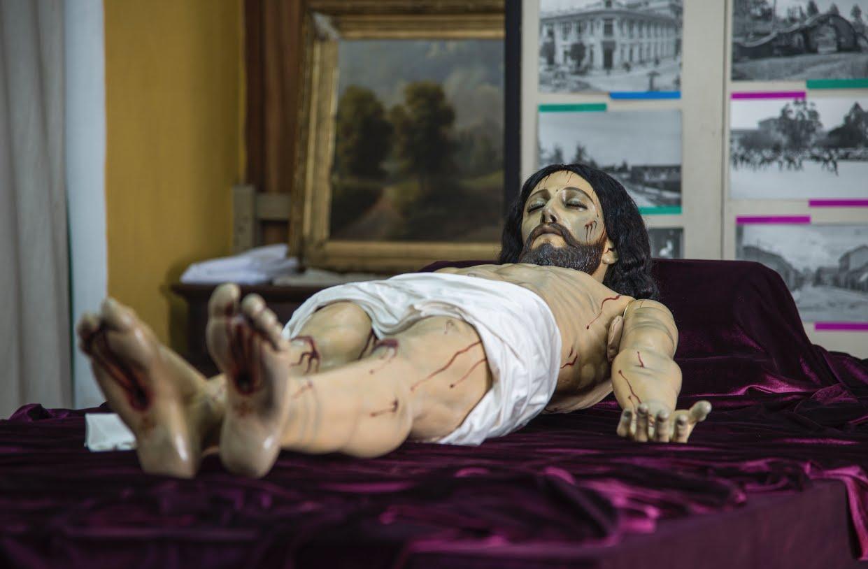 Cristo Yacente de los Pobres