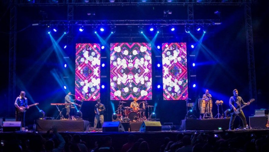 Concierto de Los Amigos Invisibles en el EMF   Marzo 2017