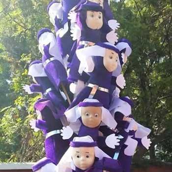 Muñecos de cucuruchos en Guatemala