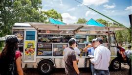 Participa en la 3ra convención de Food Trucks en la Ciudad de Guatemala