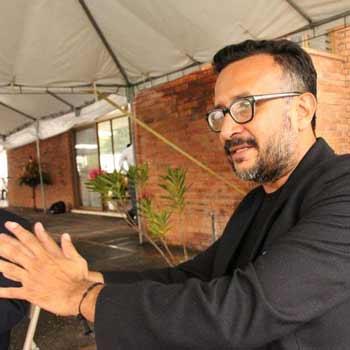 Poeta guatemalteco Javier Payeras