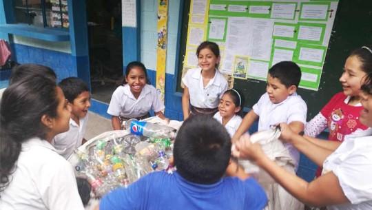 Prohíben el uso de bolsas plásticas en el municipio de Acatenango, Chimaltenango