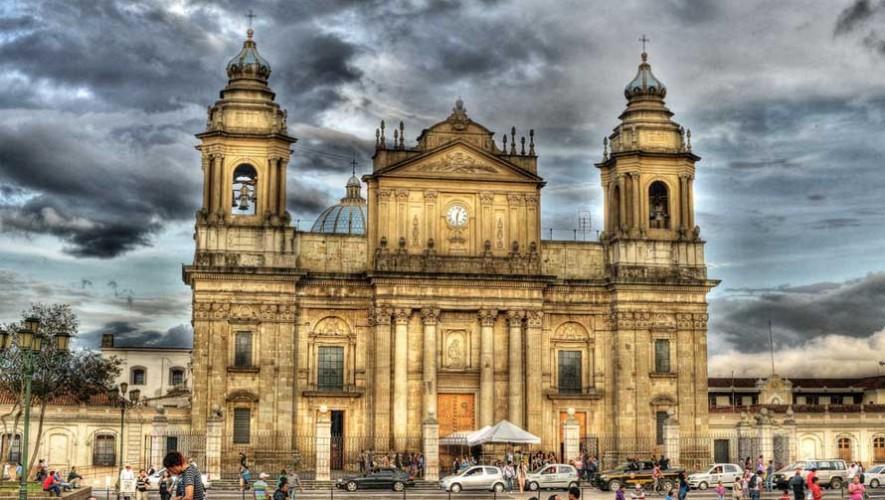 Recorrido nocturno por las criptas de la Catedral Metropolitana de Guatemala en abril 2017