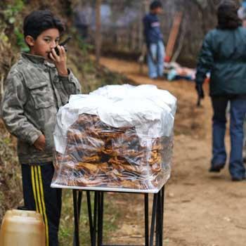 Vendedor de corbatas en miel Guatemala