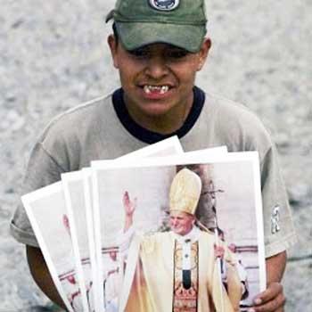 Vendedor de pósters y discos de marchas de Semana Santa