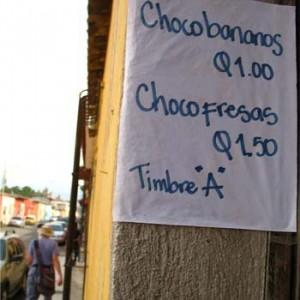 Venta de chocobananos y helados en Guatemala