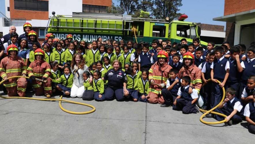 Viernes cívicos 2017 con los Bomberos Municipales de Guatemala