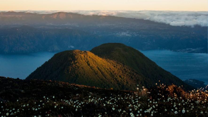 Ascenso nocturno al Volcán Tolimán por Go2Guate | Marzo 2017