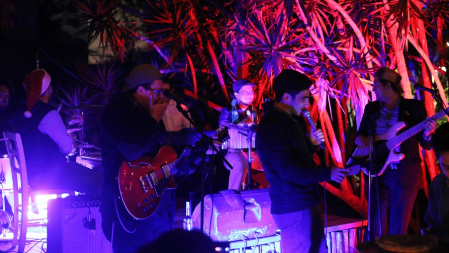 Noche de fogata y música en vivo en Saúl L'Ostería   Marzo 2017