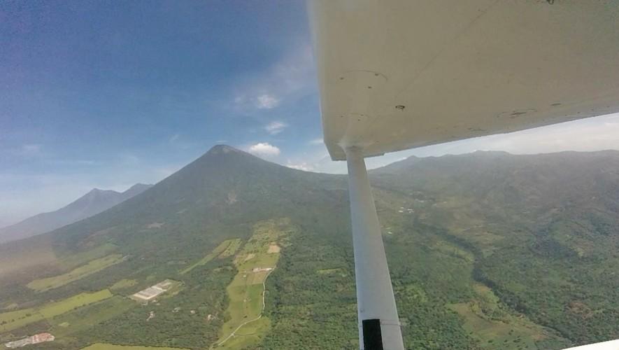 Paseo en avioneta sobre Volcán de Pacaya | Marzo 2017