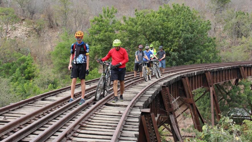 Paseo en bicicleta por las vías férreas de Chiquimula | Marzo 2017