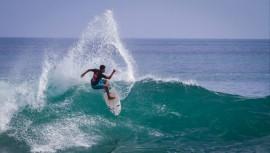 Mario Vega fue el mejor surfista de Guatemala durante el 2016, al ser campeón de la categoría open. (Foto: Jerson Barboza)