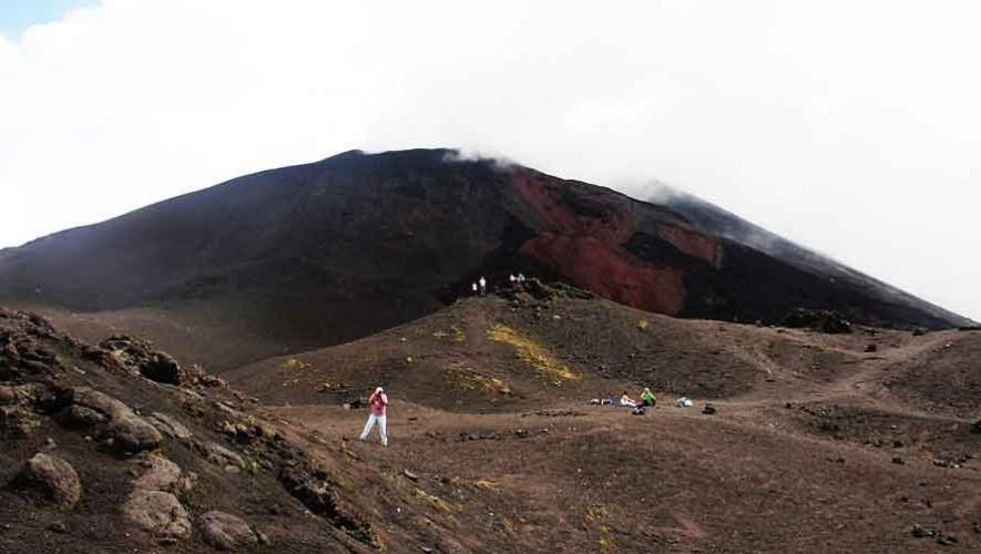Ascenso al Volcán Pacaya por la Lucha contra el Cáncer | Marzo 2017