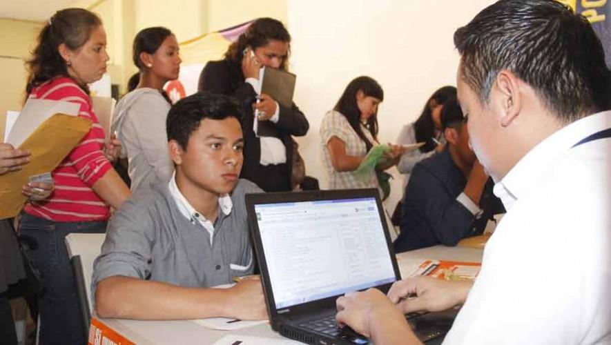 Asiste a la Feria de Empleo 2017 en el Parque de la Industria, Ciudad de Guatemala