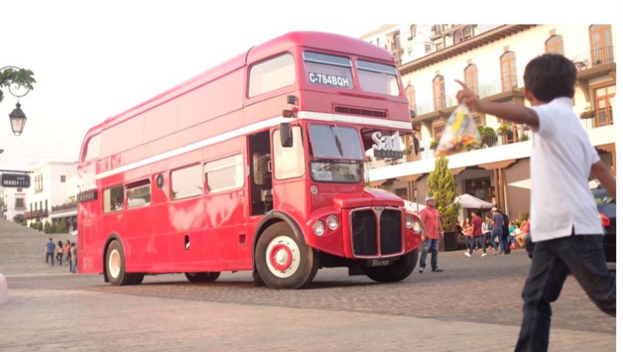 Inauguración de Bus Inglés Saúl en Paseo Cayalá | Abril 2017