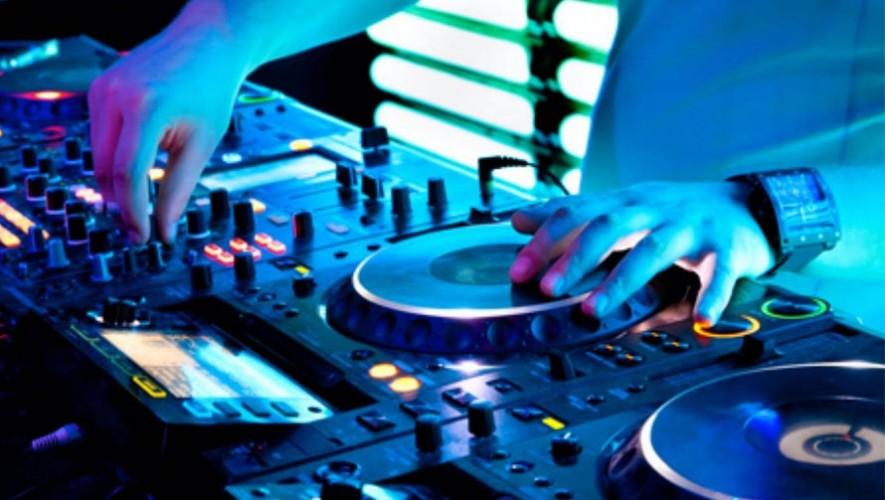 Fiesta de música electrónica en Abejorro | Mayo 2017