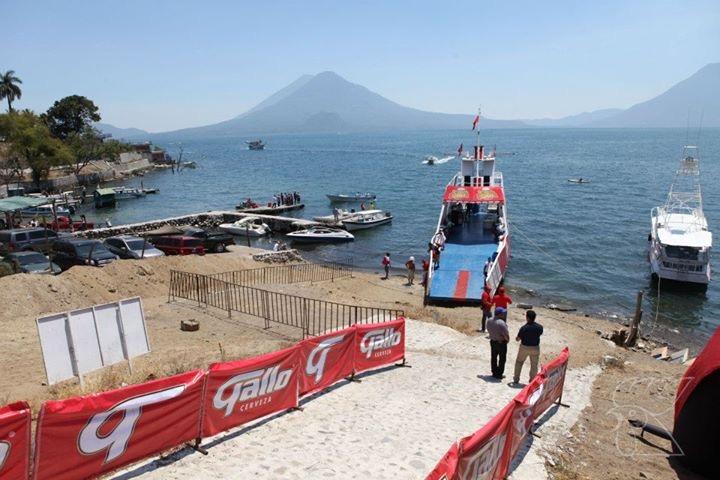 Conciertos en el Barco Gallo en Panajachel   Verano 2017