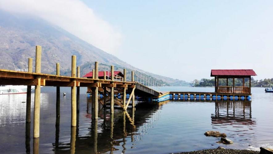 Inauguran muelle flotante en Santiago Atitlán, Sololá