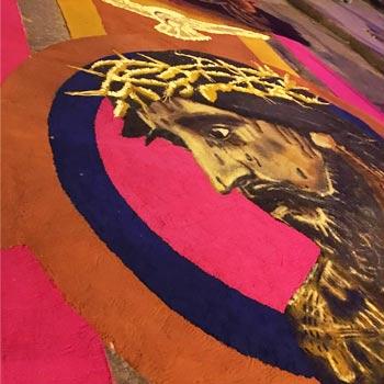 Restauración de Jesús de las 3 potencias alfombra de Jorge Corleto