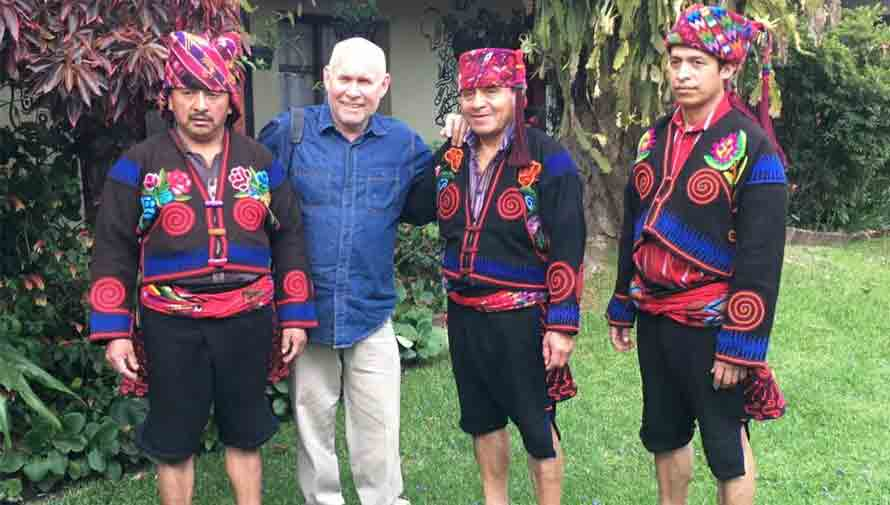 Steve McCurry, fotógrafo de la revista National Geographic visitó Guatemala