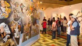 Una noche en la calle de los museos ciudad de Guatemala abril 2017