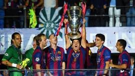 Si eres fanático del FC Barcelona esta es tu oportunidad para tomarte fotos con las últimas dos copas ganadas por el equipo. (Foto: Getty Images)