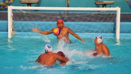 Las selecciones femenina y masculina de polo acuático guatemalteco estarán en busca de quedarse con el primer lugar. (Foto: CDAG)