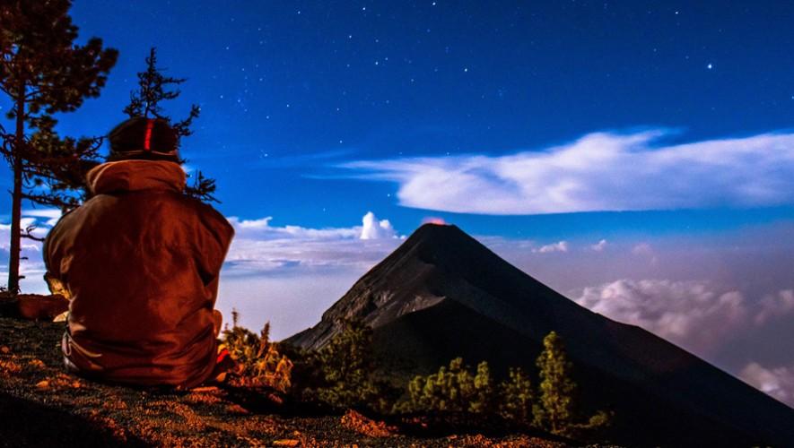 Ascenso al Acatenango y campamento con vista al Volcán de Fuego | Abril 2017