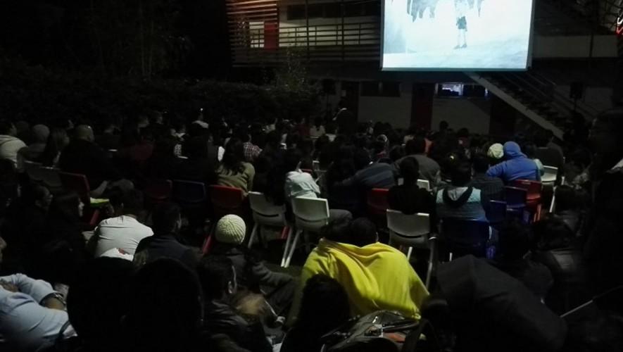 Cine al aire libre en Alianza Francesa: Maestro | Abril 2017