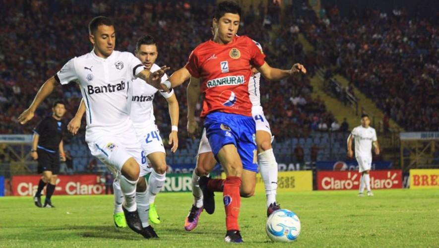Los Rojos y Cremas disputarán un clásico más en la historia del fútbol guatemalteco. (Foto: Rojo de Municipal)