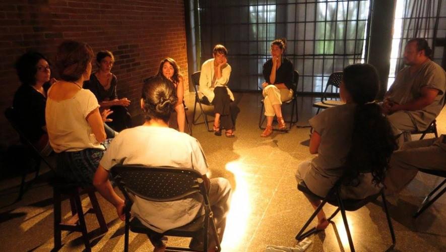 Noche de monólogos en  Alianza Francesa | Abril 2017