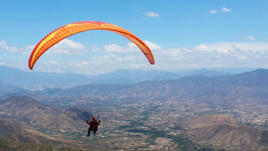 Las montañas de Rabinal se llenaron de pilotos que compitieron durante tres días por los primeros lugares. (Foto: Michelle Reds Creatividad/Ala Delta Gt)