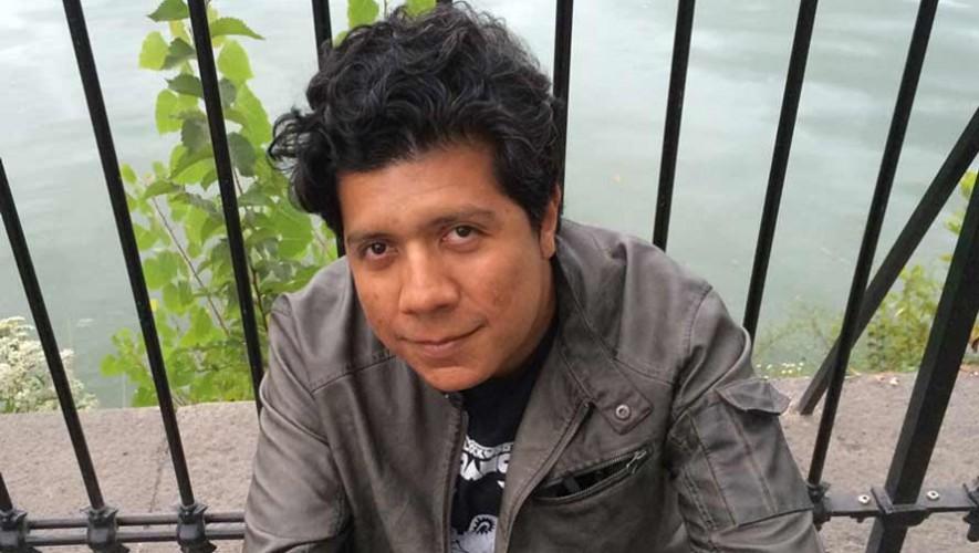 Alan Mills, poeta guatemalteco es parte de los mejores escritores de América Latina