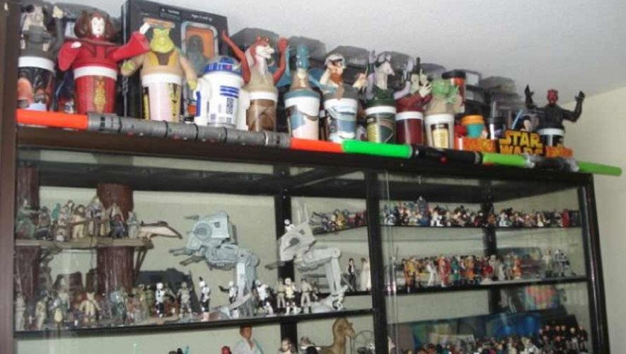Alfonso Zetina, guatemalteco que tiene la colección más grande de Star Wars en Guatemala
