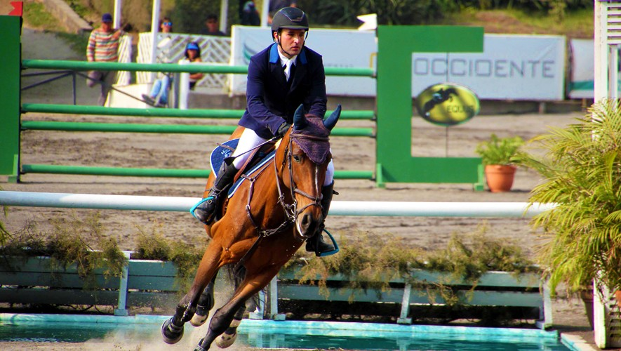 Eduardo Castillo se quedó con el Gran Premio del Concurso Internacional El Cortijo. (Foto: Prensa ANEG)
