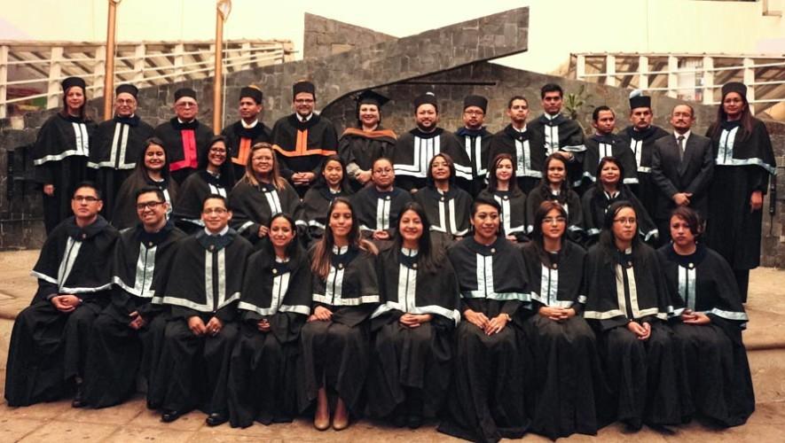Estudiantes guatemaltecos con discapacidad auditiva se gradúan de la universidad