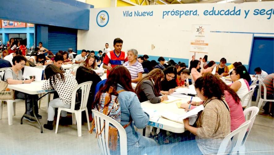 Feria de Empleo en el Centro de Comercio Municipal en Villa Nueva, mayo 2017