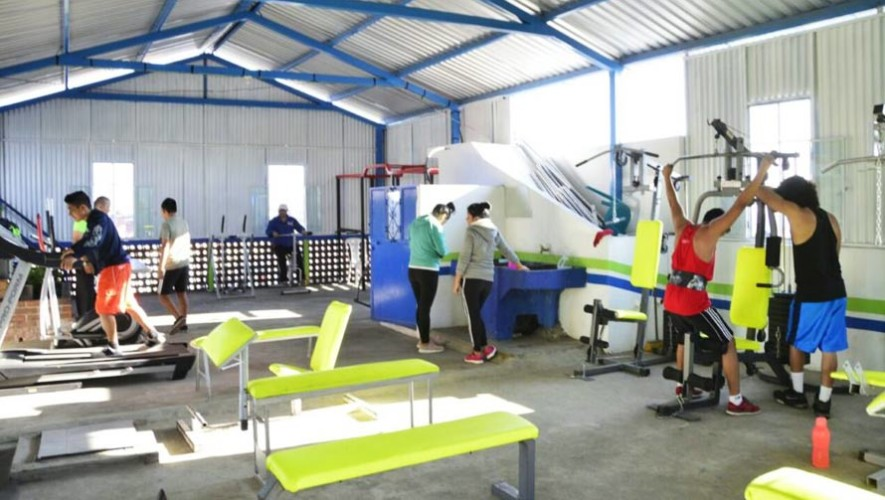 Inauguran dos gimnasios municipales gratuitos en Mixco, Guatemala
