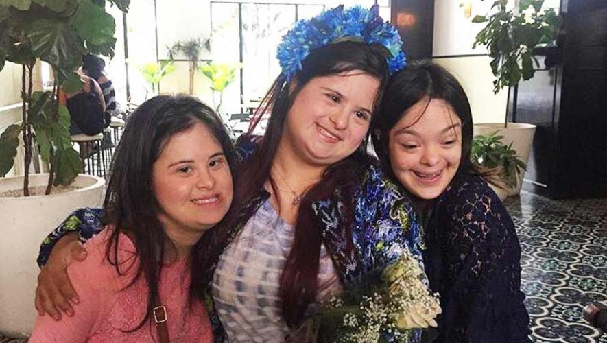 Isabella Springmuhl, diseñadora guatemalteca presenta colección inclusiva