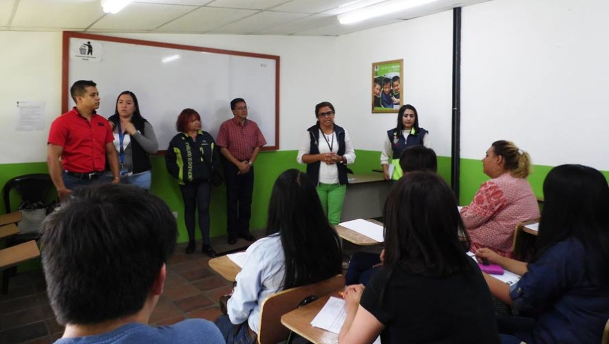Municipalidad de Guatemala ofrece becas para estudiar inglés