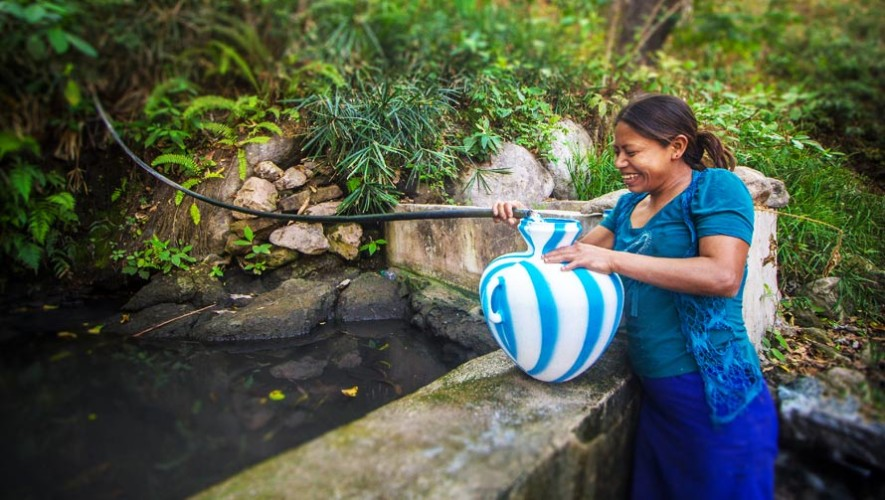 Restaurante guatemalteco llevará agua potable a comunidad en Chiquimula