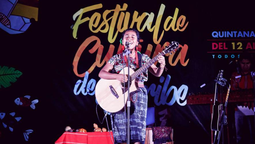Sara Curruchich, cantante guatemalteca, realiza conciertos en México