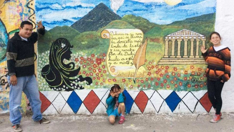 Sé un voluntario para pintar un mural en Quetzaltenango