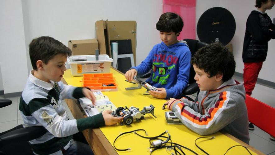 Taller de robótica infantil en Museo Miraflores | Mayo 2017