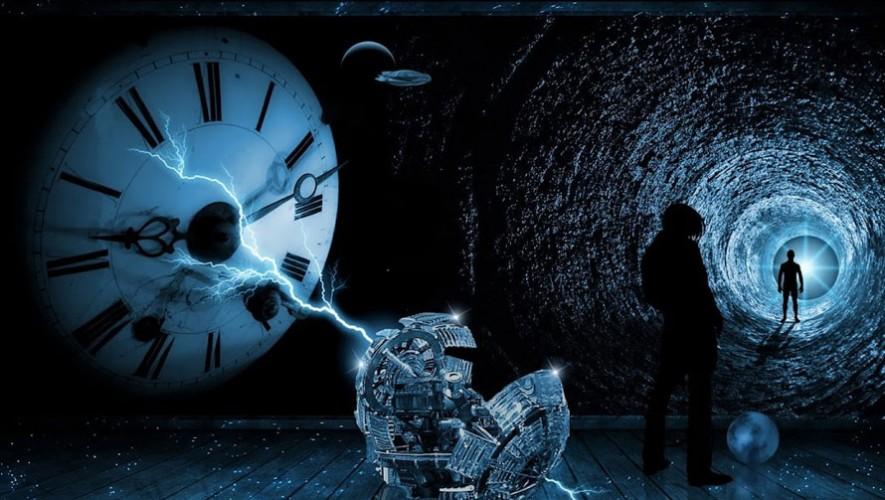 Charla sobre viajeros del tiempo y dimensiones de Órbita 3 | Mayo 2017
