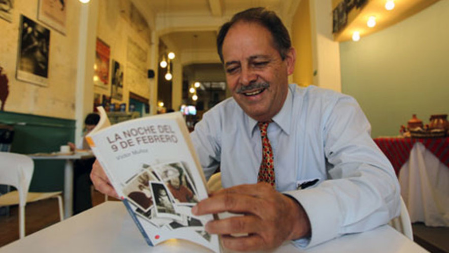 Conversatorio con el escritor Victor Muñoz en Sophos| Mayo 2017