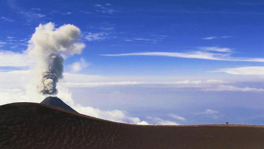 Ascenso nocturno al volcán Acatenango por K'ashem | Mayo 2017
