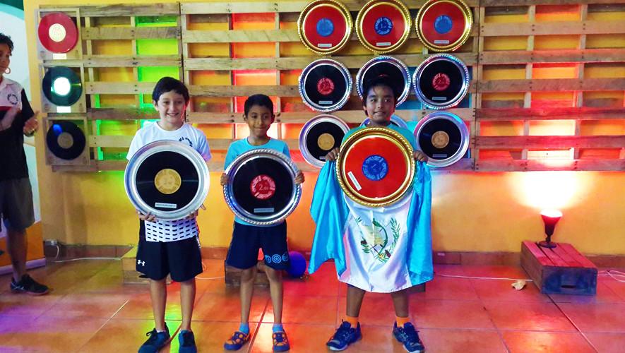 La delegación de squash obtuvo 4 primeros lugares, 3 segundos y 3 terceros. (Foto: Asociación Nacional de Squash)