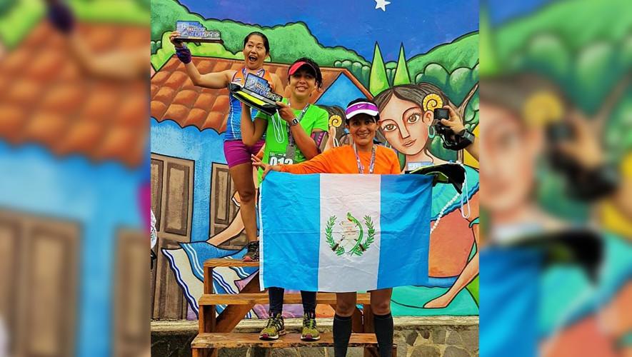 Kary y Magaly ganaron las distancias de 20 y 42 kilómetros en El Salvador. (Foto: Trail Runners Guatemala)